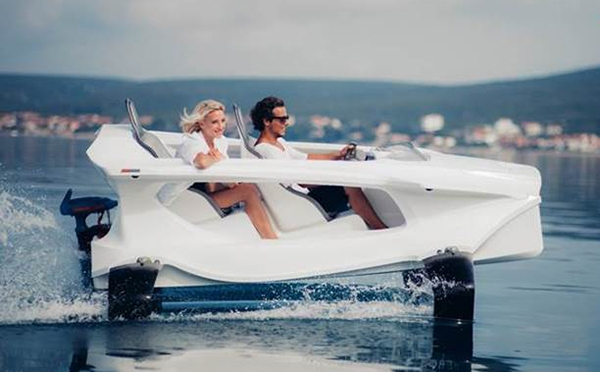 Quadrofoil – Hydrofoil Watercraft