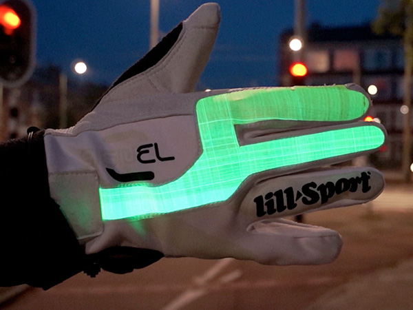 SIGNEL – Electroluminescent Signaling Glove
