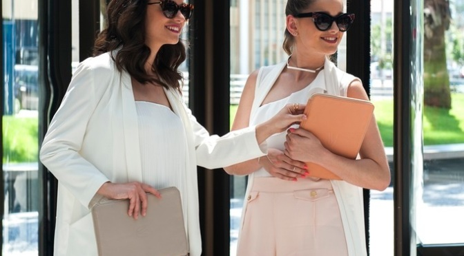 Uvoir™ – Beautiful & Ultra-Functional Leather Accessories
